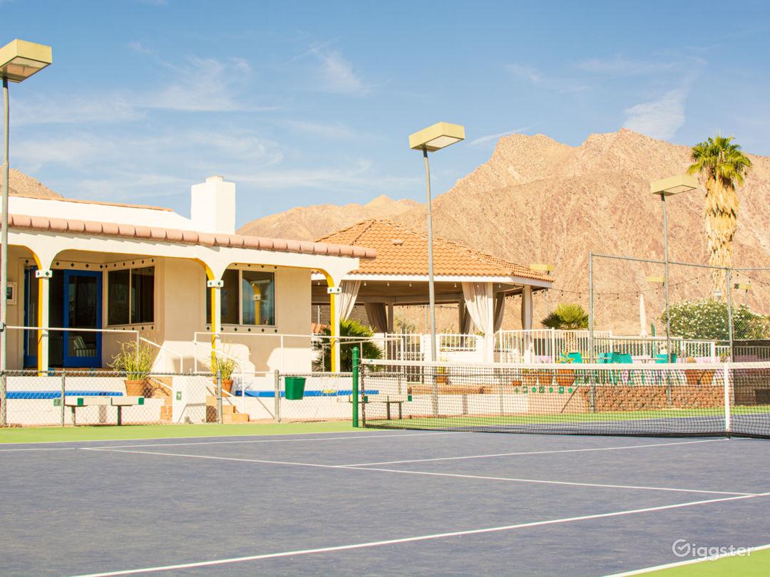 '70s tennis club and desert lodge in Anza-Borrego Photo 1