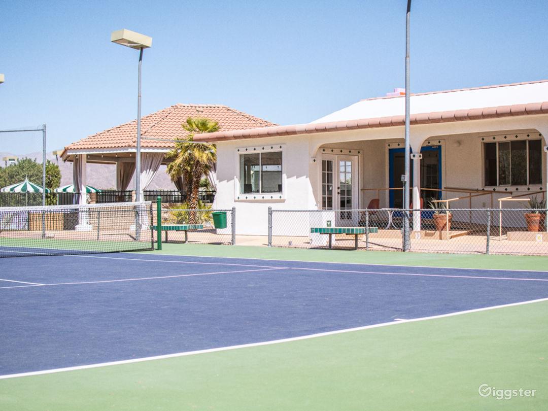 '70s tennis club and desert lodge in Anza-Borrego Photo 3
