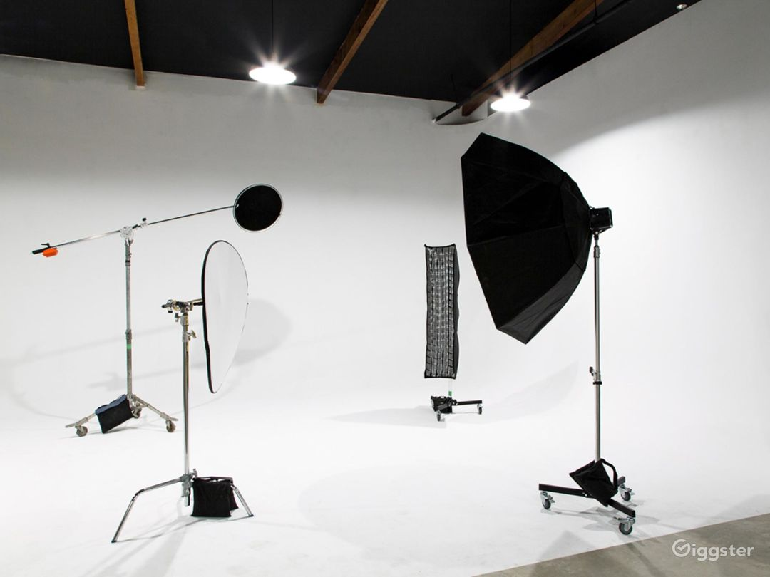 Well-equipped  Studio in Phoenix Photo 1