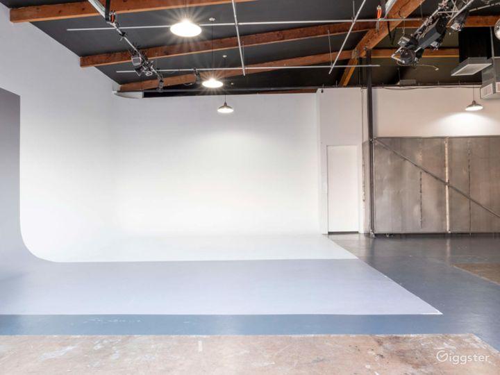 Well-equipped  Studio in Phoenix Photo 5