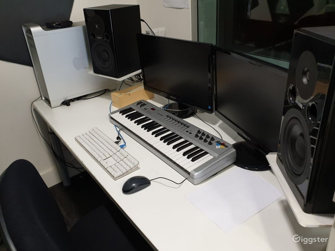 A Recording Studio with High Quality Music Recording Photo 1