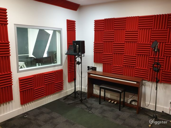 A Recording Studio with High Quality Music Recording Photo 2