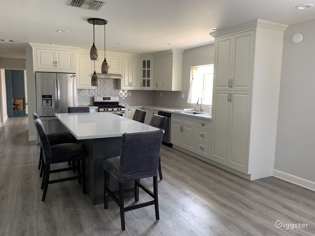 Newly renovated single story home w/ large kitchen Photo 1