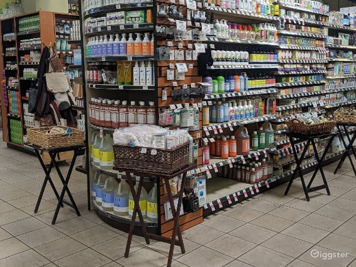 Spacious Health Food Store Perfect for Photoshoots and Productions in Oxnard Photo 4