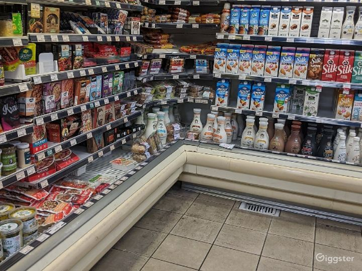 Spacious Health Food Store Perfect for Photoshoots and Productions in Oxnard Photo 3