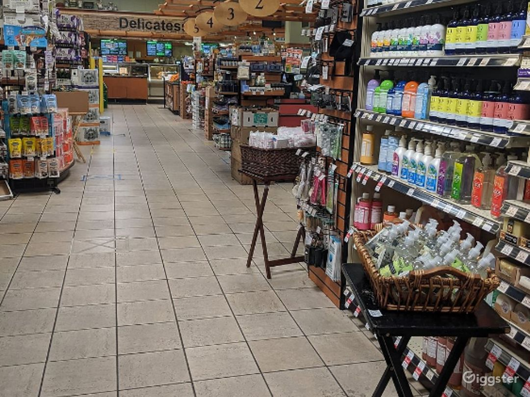 Spacious Health Food Store Perfect for Photoshoots and Productions in Oxnard Photo 1