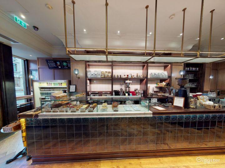 Cosy Coffeehouse in Edinburgh  Photo 2