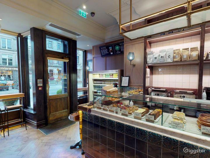 Cosy Coffeehouse in Edinburgh  Photo 4