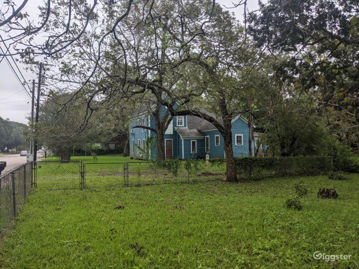 Forgotten timber farmhouse Photo 5