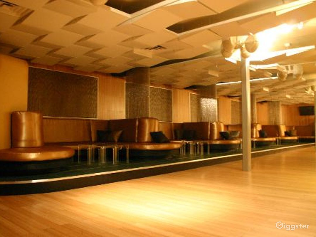Club, restaurant, bar and event space: Location 3296 Photo 1