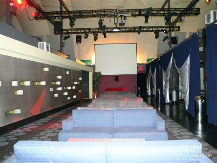 Club, restaurant, bar and event space: Location 3296 Photo 5