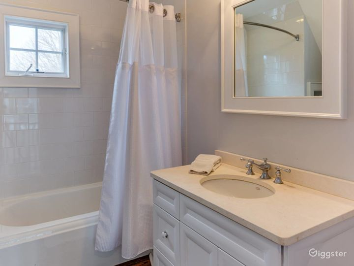 Spacious, light, airy Hamptons home: Location 5276 Photo 5