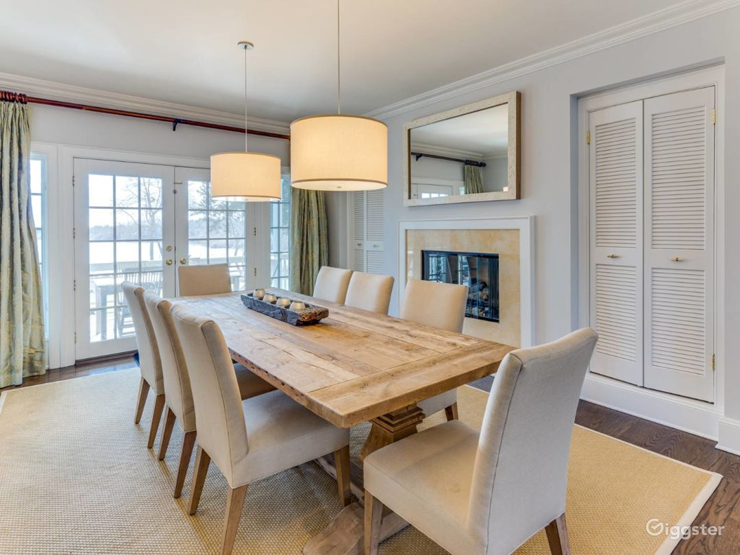 Spacious, light, airy Hamptons home: Location 5276 Photo 1