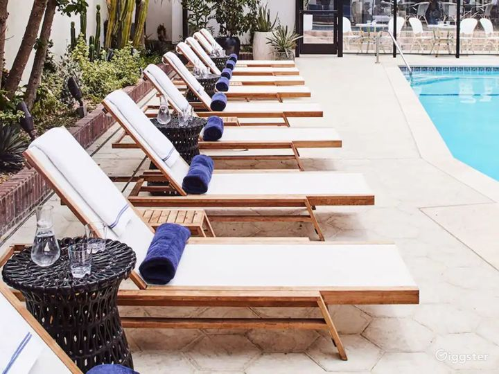 Modern Rooftop Pool in LA Photo 4