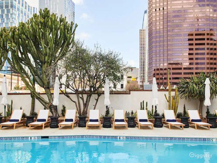 Modern Rooftop Pool in LA Photo 2