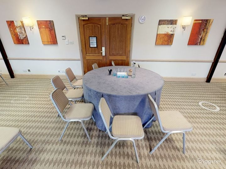 Small Meeting Room in Oxford Photo 3