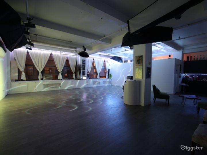 Spacious Modern Studio Photo 4