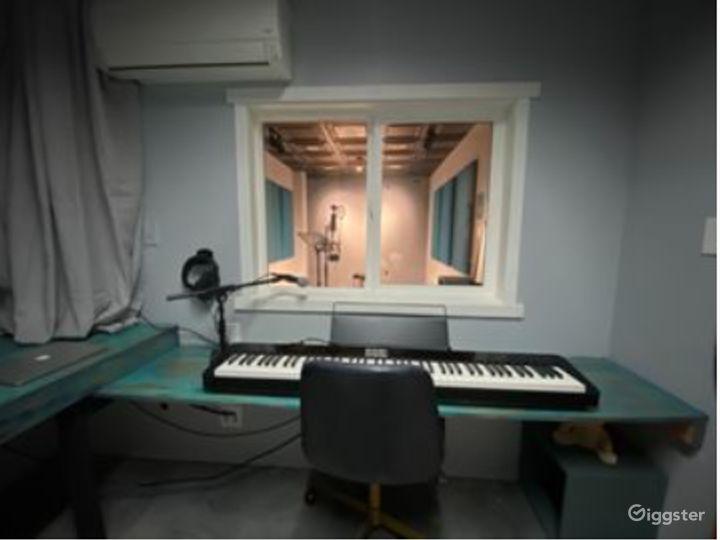 Studio to Record Your Next Single, Next Voiceover or Next Audio Reel Photo 5