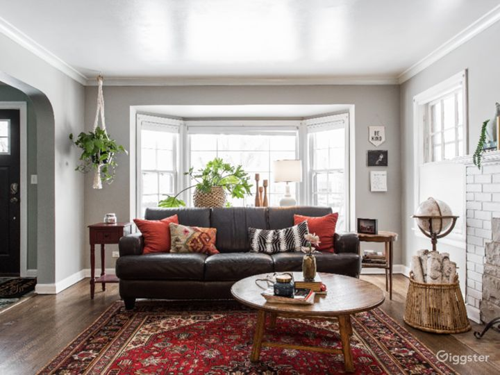 Cozy & Eclectic Home --Northwest side of Chicago