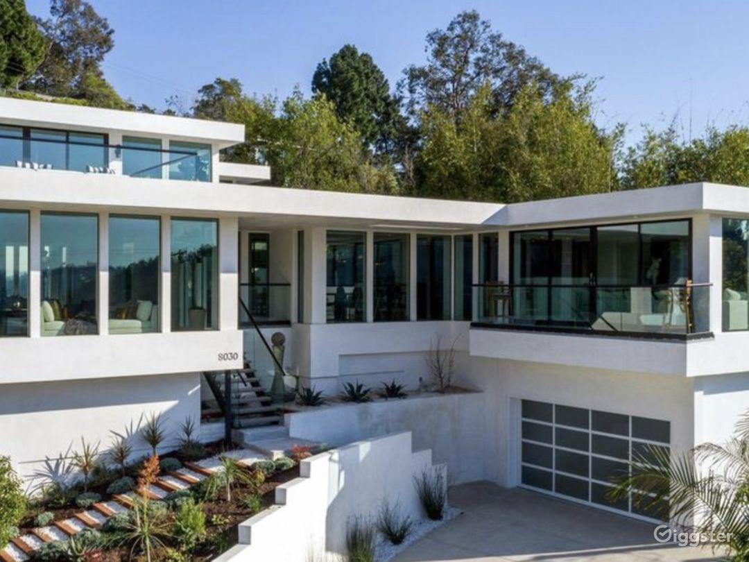 Hollywood Hills Luxury Mansion Photo 1