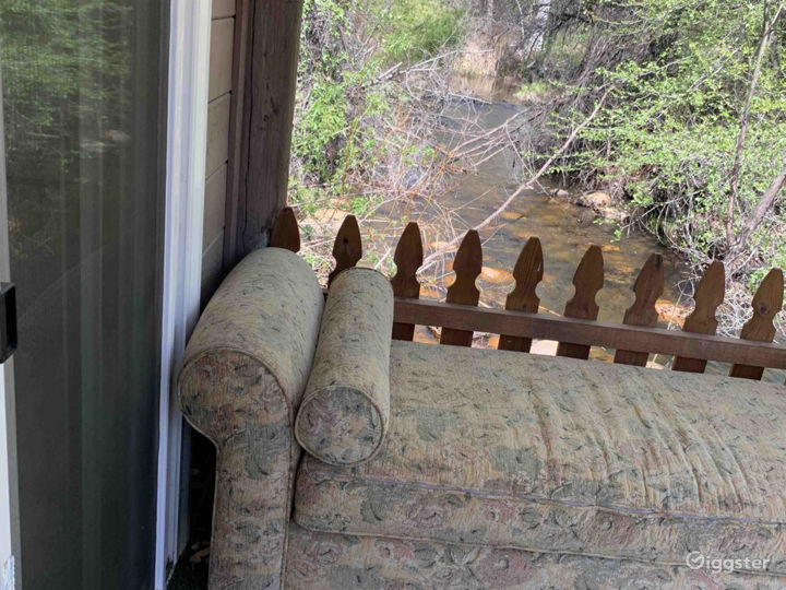Intimate Riverside Cabin Photo 3