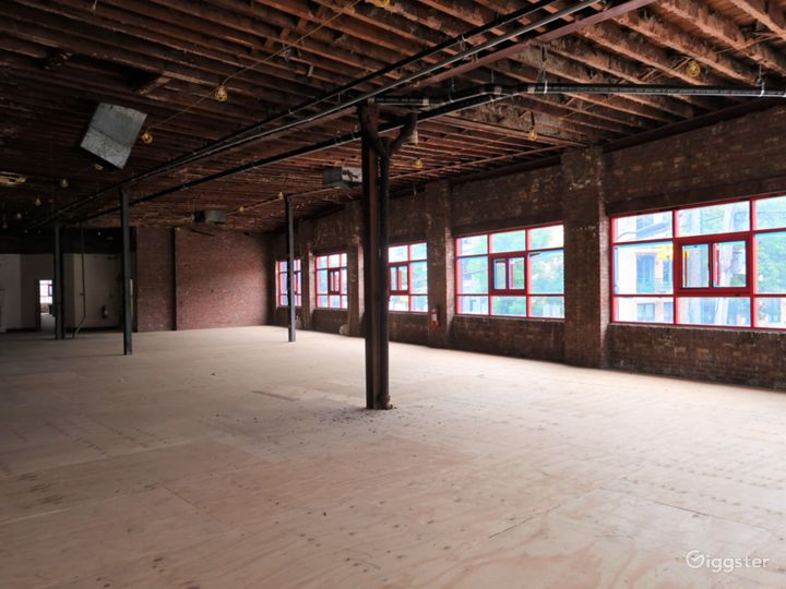 JR Warehouse Photo 3