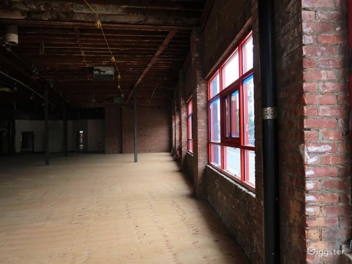 JR Warehouse Photo 4