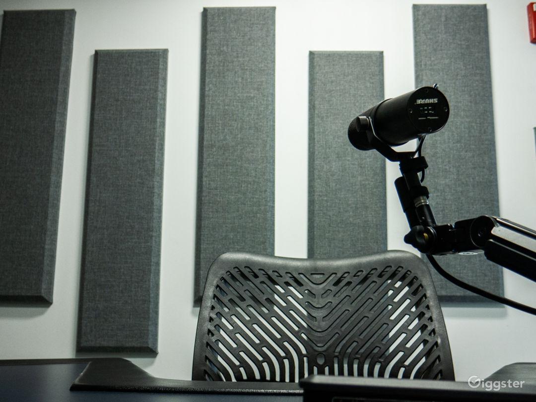 Chicago Loop Podcast / Recording Studio Photo 1