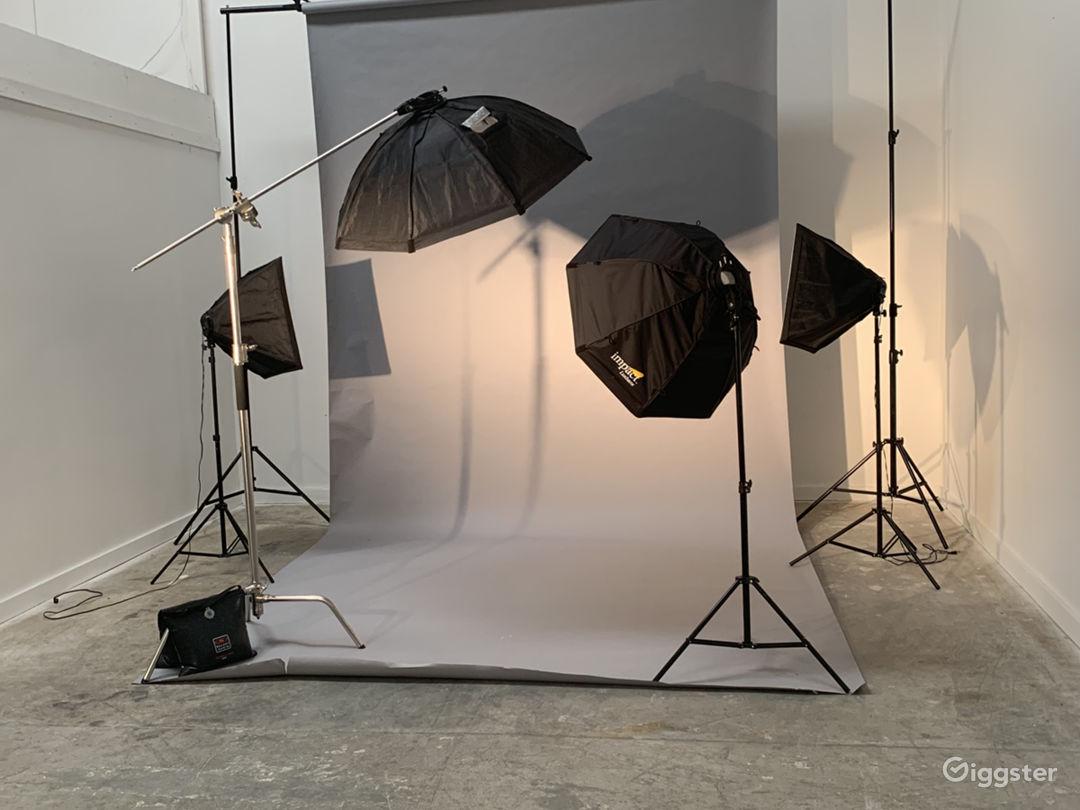 Quiet Office and Photo/Video Studio Photo 5