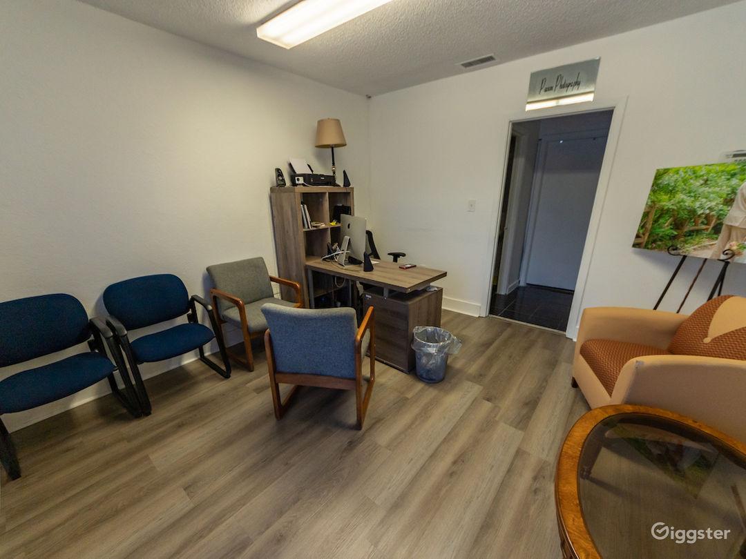 Quiet Office and Photo/Video Studio Photo 2