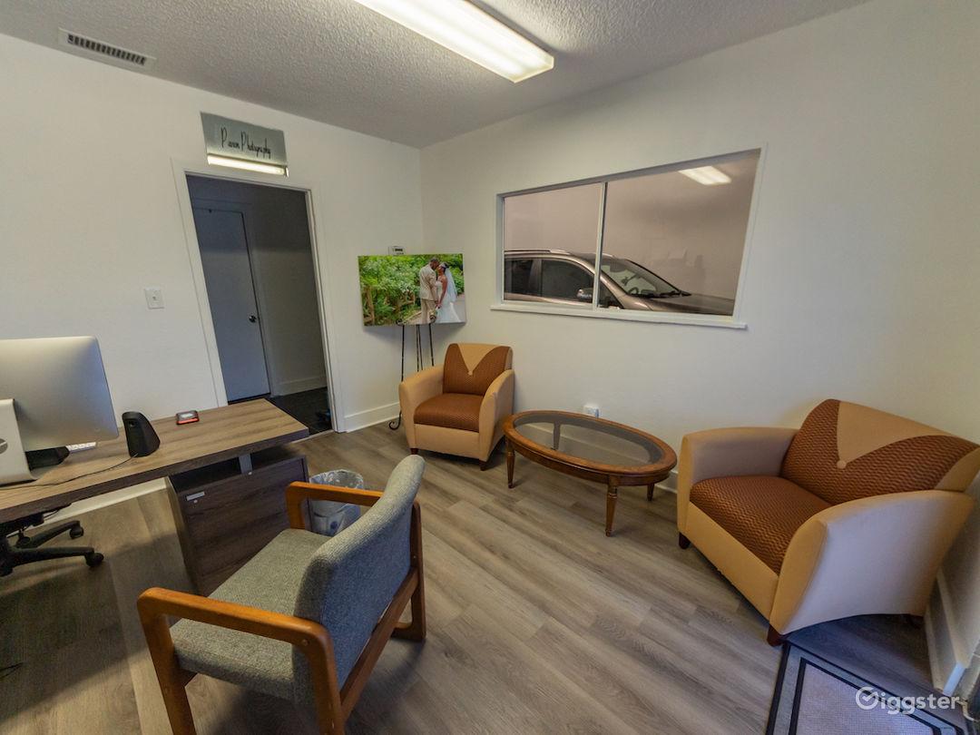 Quiet Office and Photo/Video Studio Photo 1