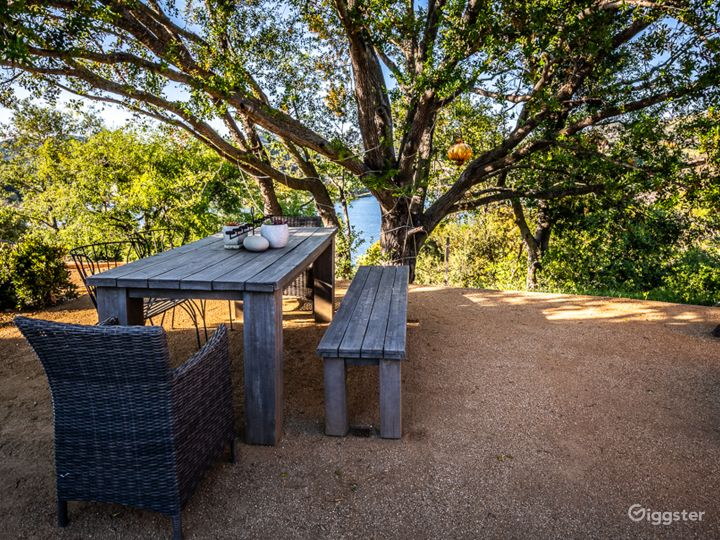 VIEWS! Loft Living @ Lake Sherwood secluded home  Photo 5