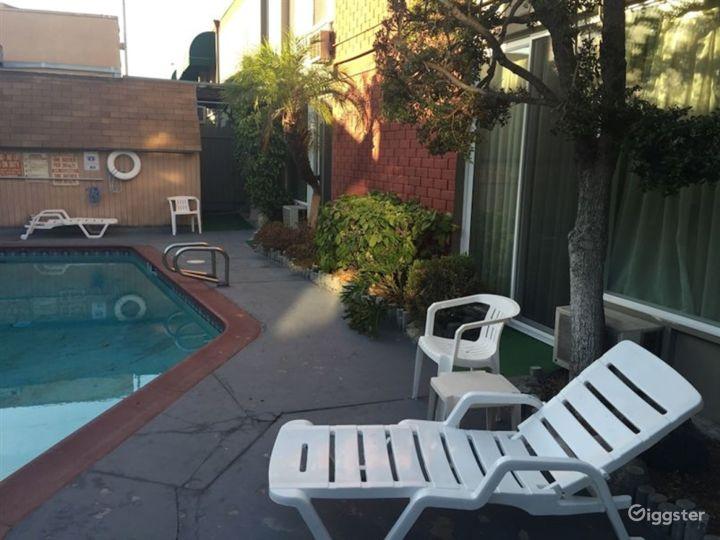 Swimming Pool in LA Photo 4
