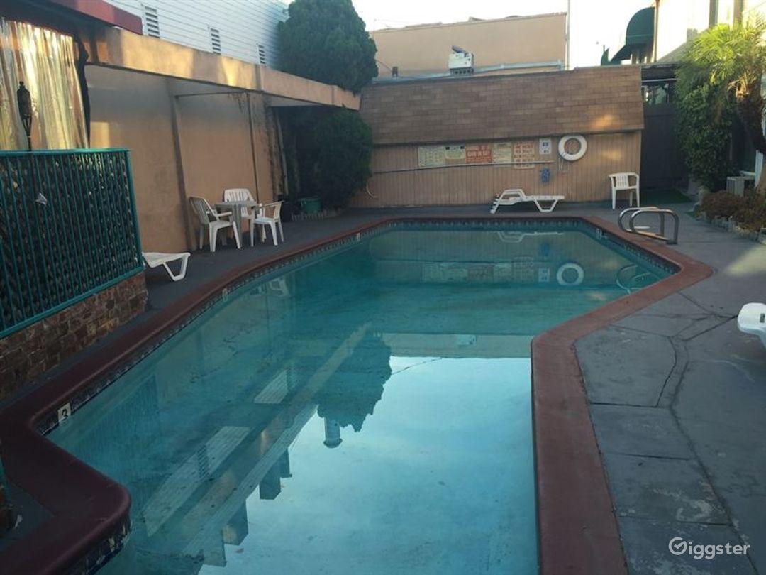 Swimming Pool in LA Photo 1