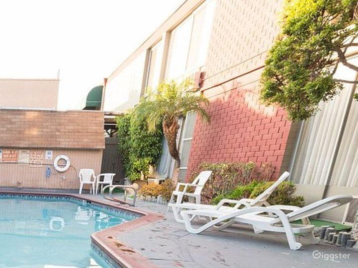 Swimming Pool in LA Photo 5
