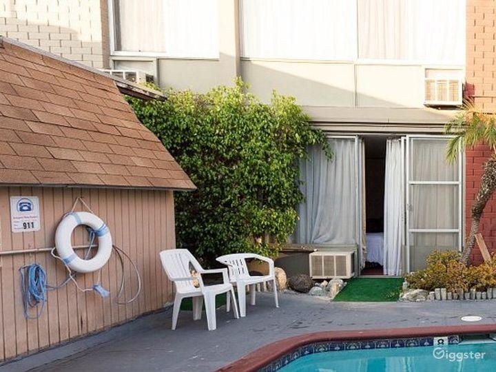 Swimming Pool in LA Photo 2