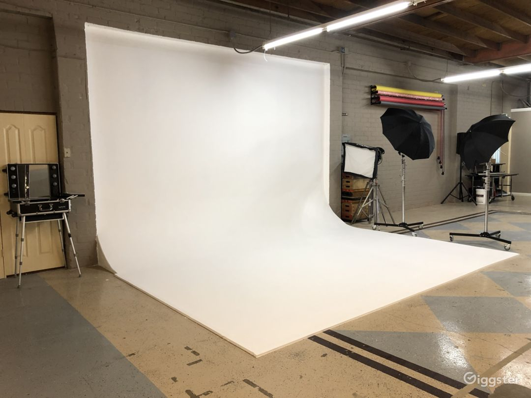 The Most Affordable Photography and Film Studio Photo 1