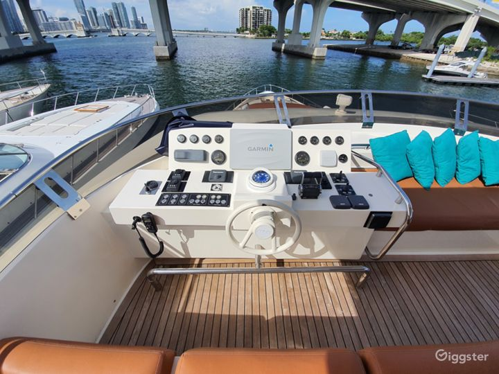 Enormous, One of a Kind 85FT AICON Party Yacht Space Events Photo 5
