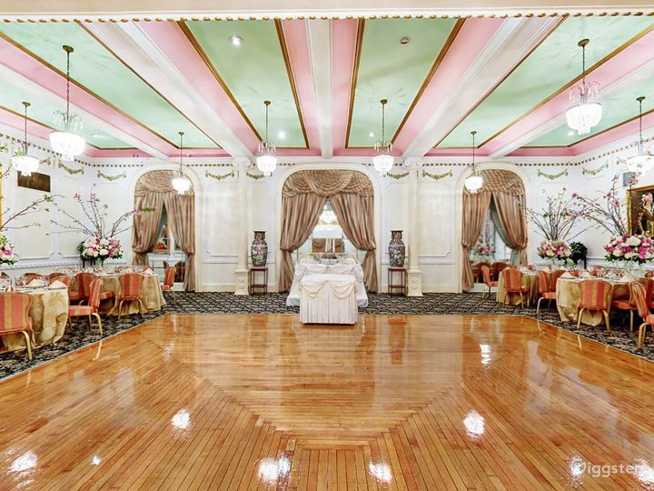 Ornate event space: Location 201 Photo 5