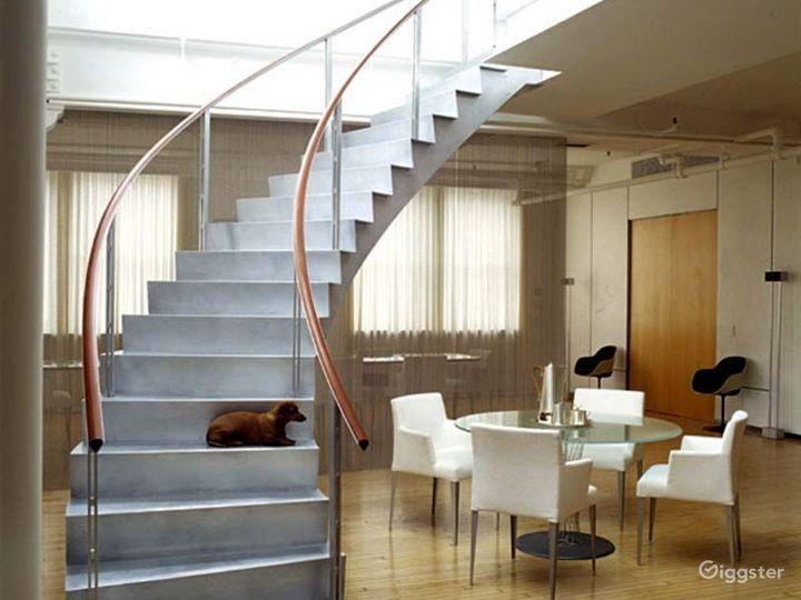 Large modern penthouse duplex: Location 2991 Photo 4