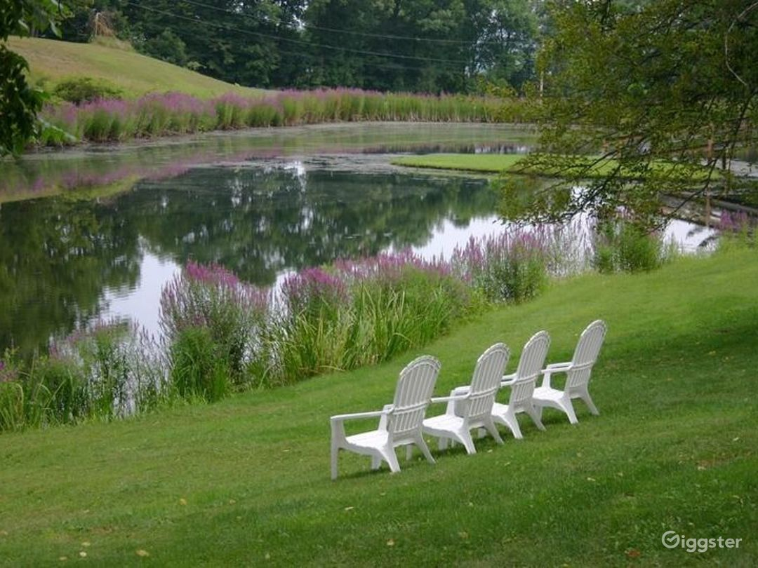 Breathtaking Outdoor Venue by the Lake Photo 1