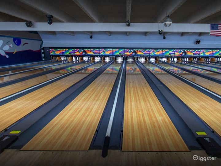 Colorful and Vibrant Bowling Alley (Full Buyout) Photo 3
