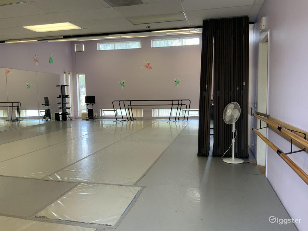 Modern Ballet and Dance Studio Photo 1
