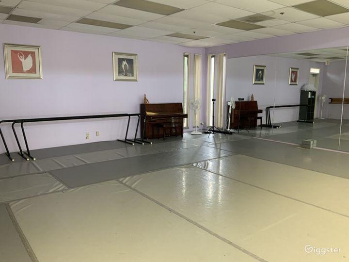 Modern Ballet and Dance Studio Photo 2