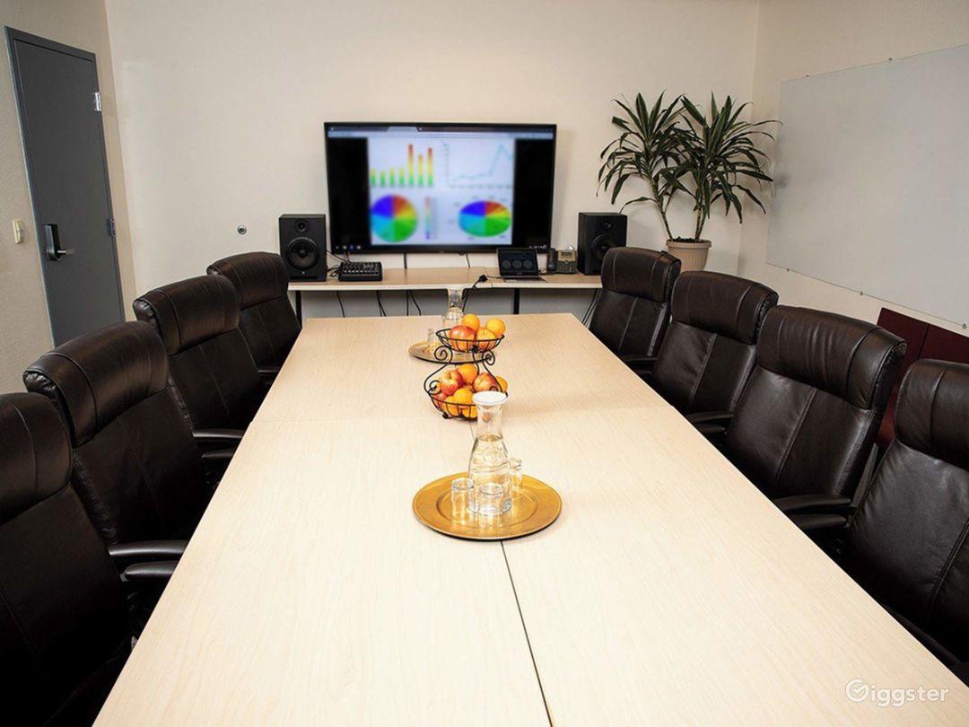 Conference Room in Santa Cruz Photo 1