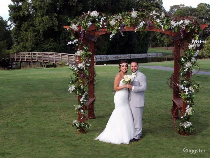 Lake view Ceremony Lawn in Charlotte NC Photo 3