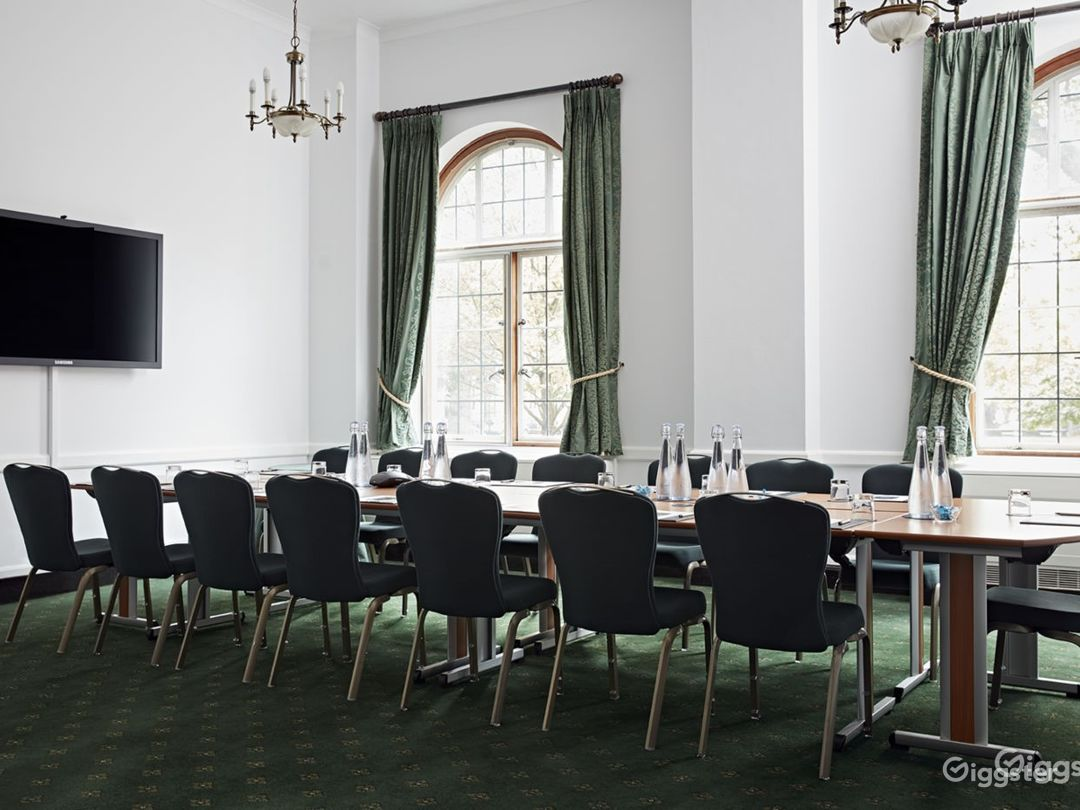 Westminster Room in London  Photo 1