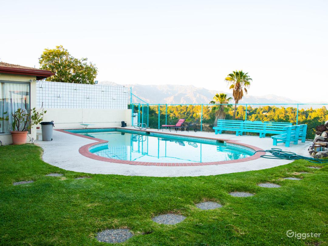 Very Spacious Beautiful Zen Backyard w/ Amenities Photo 1
