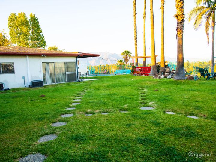 Very Spacious Beautiful Zen Backyard w/ Amenities Photo 2