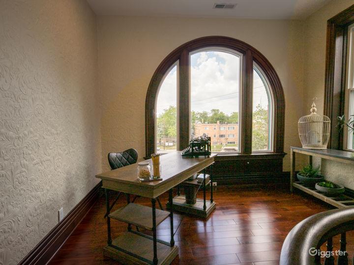Elegance, history & modern amenities @ Burch Manor Photo 5